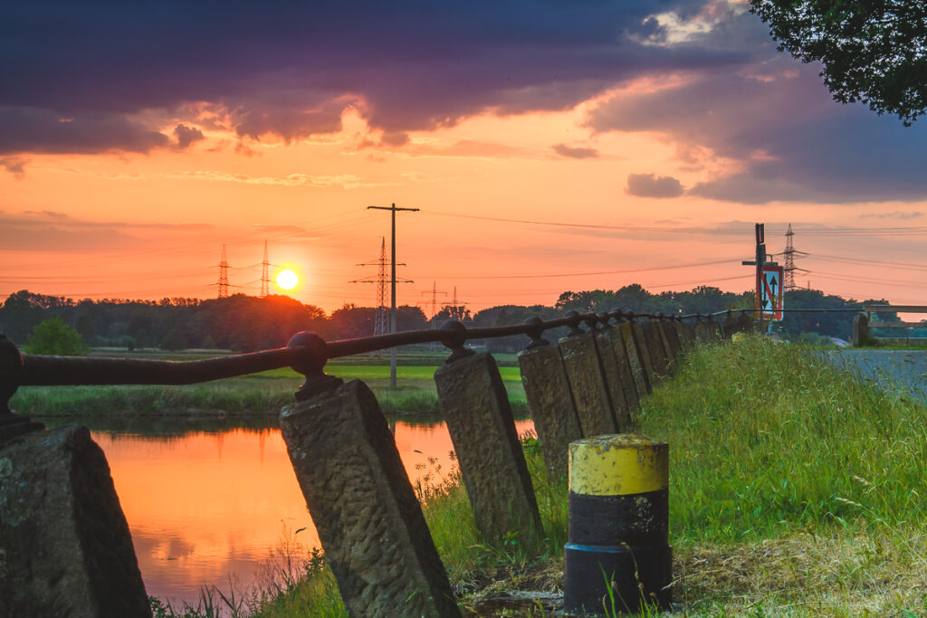 Sonnenuntergang am Dortmund-Ems-Kanal